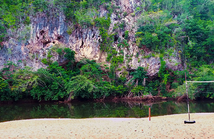 the Macal River and the best beach for swimming around